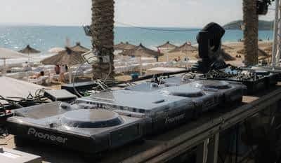 Protection du matériel DJ avec des accessoires essentiels protection du matériel dj