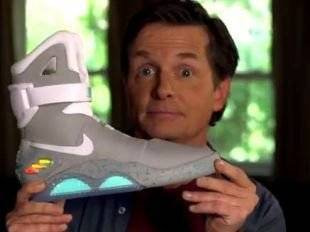 Baskets NIKE Mag vendues au profit d'une opération caritative Baskets NIKE Mag