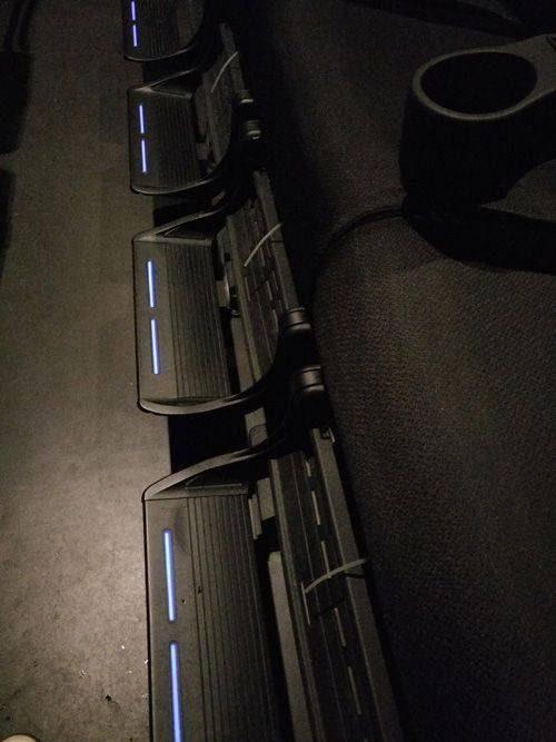 fauteuil-et-repose-pieds-salle-4DX