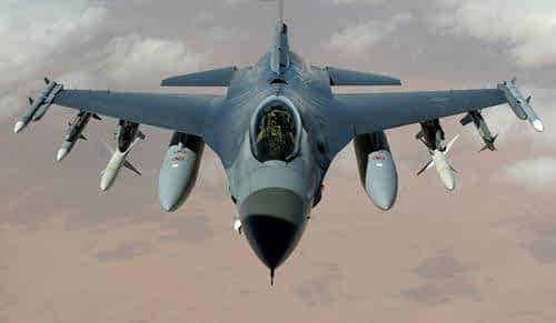 Avion militaire dans le trafic aérien